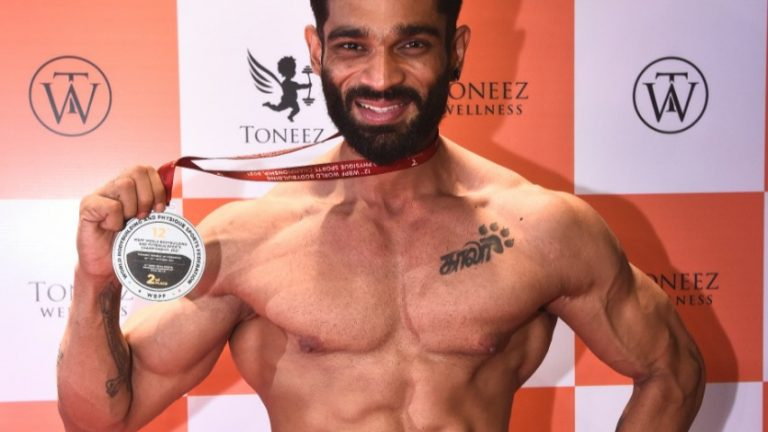 """Mr. World 2017 & 2018 Title Winner R. Manikandan bags Silver Medal at 12th WORLD BODY BUILDING AND PHYSIQUE WORLD CHAMPIONSHIP 2021 held at Tashkent, Uzbekistan  """"This is the third time an Indian bodybuilder wins 3 international titles"""""""
